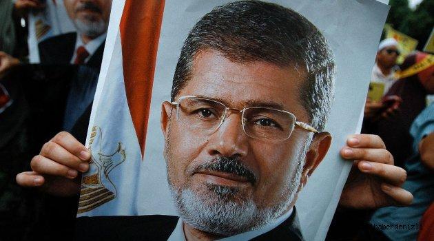 Şehid Muhammed Mursi'nin defni sırasında ağlatan anlar