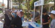 AGD'li Gençler Vatandaşlara Su İkramında Bulundu
